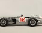 Carro da Fórmula 1 de Juan Manoel Fangio, de 1954, é vendido pelo preço recorde de quase R$ 70 milhões